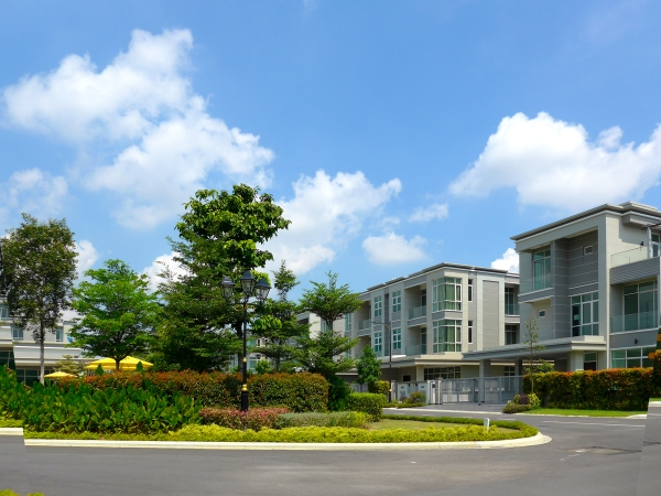 """中国香港房产巨头新世界发展有限公司倾力打造的五星级家园""""VilaSeni新世界豪园""""正在出售"""