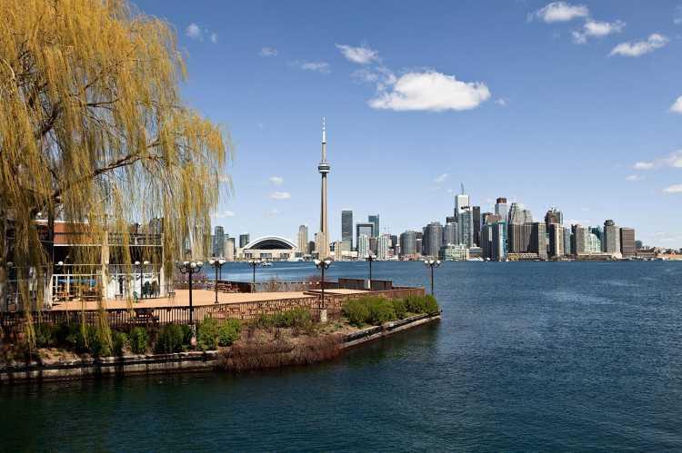 多伦多可谓是加拿大第一大城市,也是北美第四大城市,目前,房价涨势已经超过了曼哈顿、西雅图、旧金山和温哥华