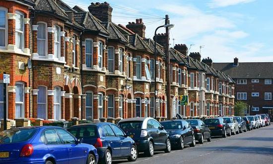 房价8年来首次连续三月下滑 | 英国