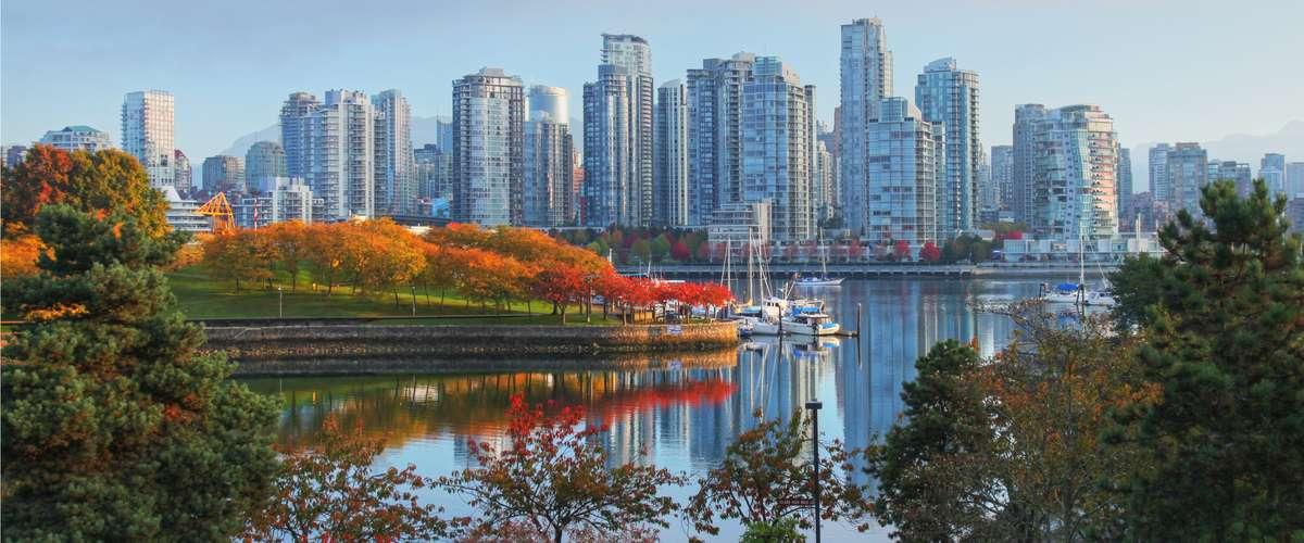 在征收海外买家税后半年,温哥华的房市已渐渐走出了低谷