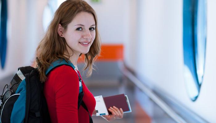 对於身处美国的国际学生来说,不论回国探亲,或是到邻近国家旅游,都必须要仔细考量自身签证状态
