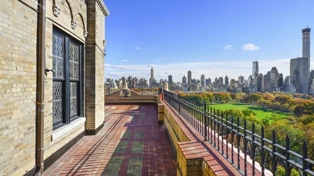 在美国,纽约市地区的房价最贵,平均价格高达150万美金