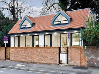 公厕改变住宅 一年转手要价涨16% | 英国