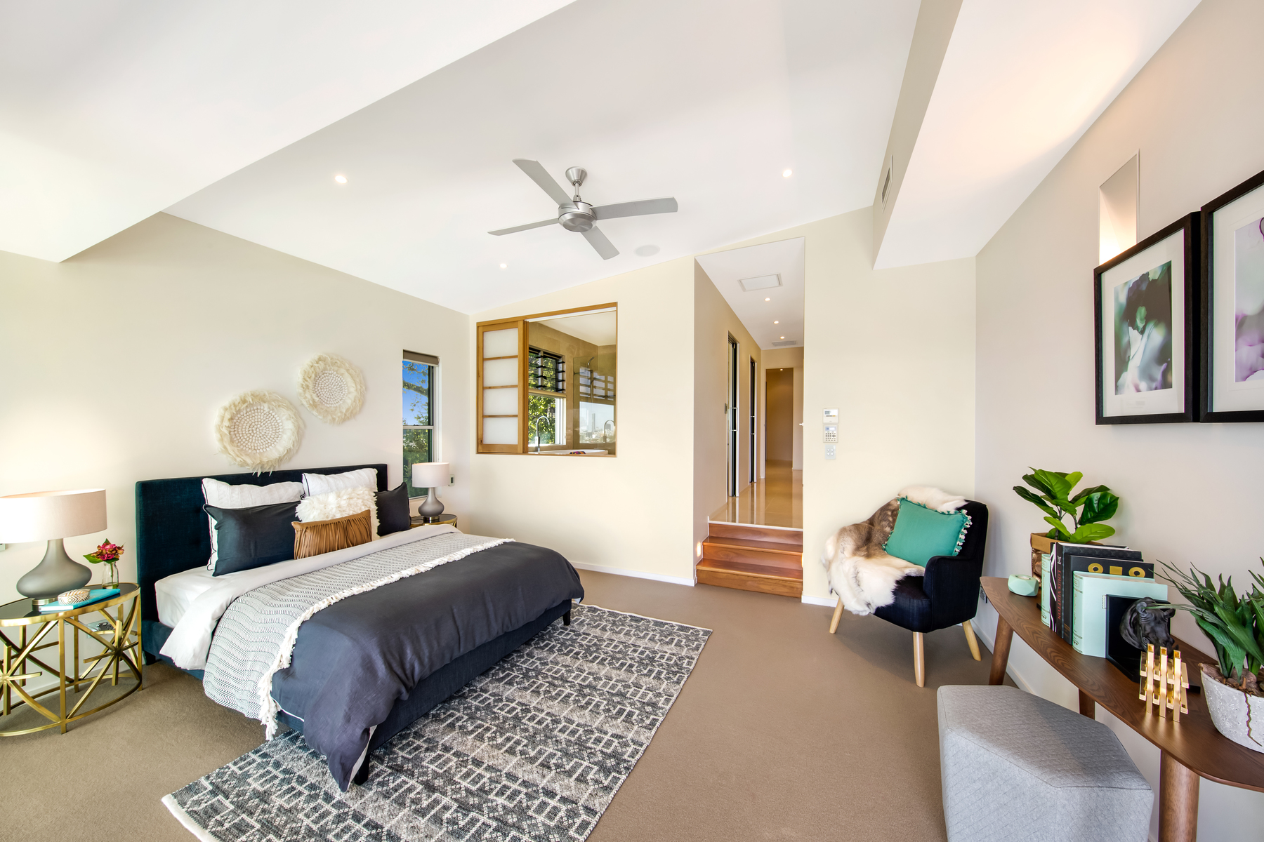 豪宅面积1409平方米,共有七间宽敞的卧室和浴室