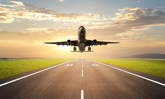 送孩子出国留学,每个阶段都有各自的优势和不足