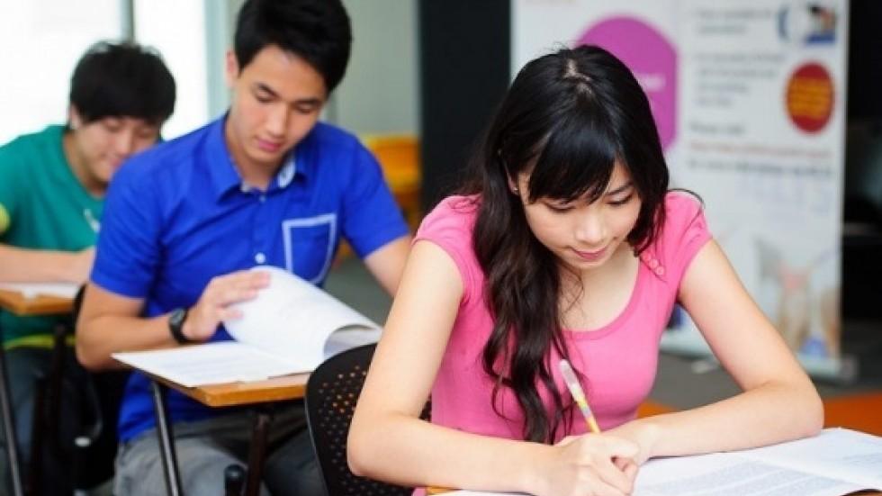 中美两国的学术传统和学术规范有差异