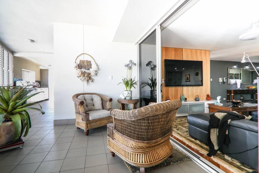 整体设计非常现代新颖,开阔的空间感提升了居住舒适度