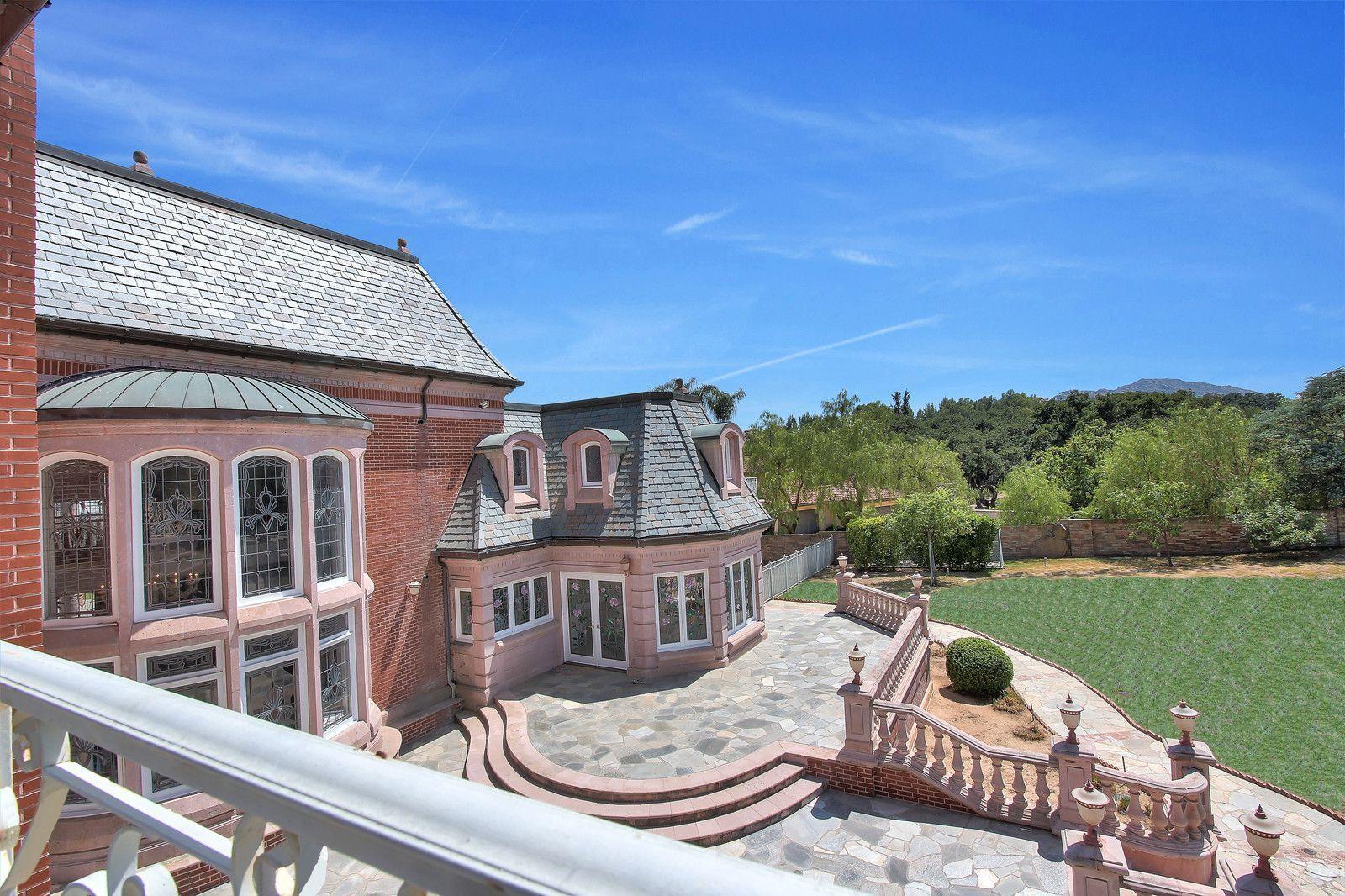 加州Chatsworth顶级豪宅内部设计奢华漂亮,空间开阔舒适,气派非凡