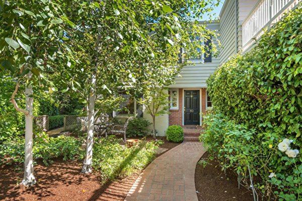 这处Palo Alto的房子,从1988年至今涨了6倍。(MLS Listing)