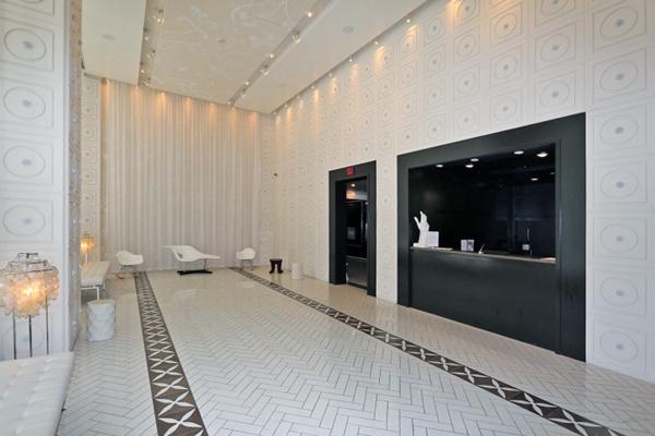 多伦多市中心精美公寓:位置绝佳设计现代,设施完美值得投资   加拿大
