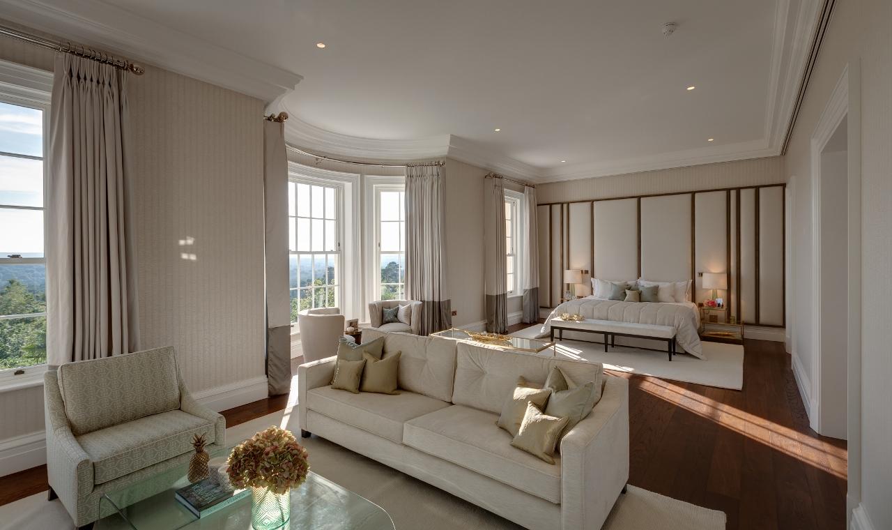 """第一太平戴维斯品评Camp End Manor为""""非同凡响的住宅,大小适中;可能是该住宅区中最好的住宅。"""""""