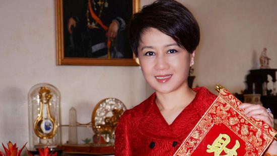 中国澳门赌王何鸿燊之妻梁安琪