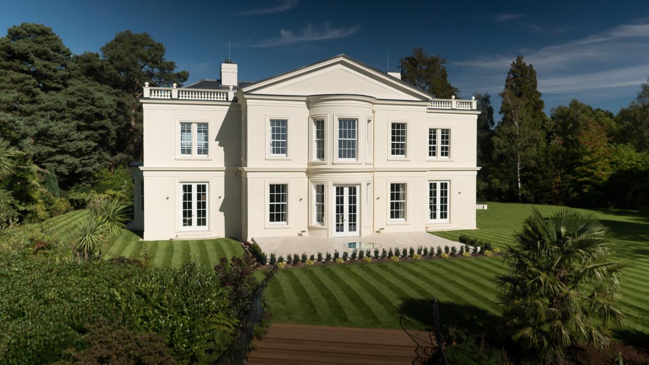 Camp End Manor占地964英亩,维护精心,私密性佳