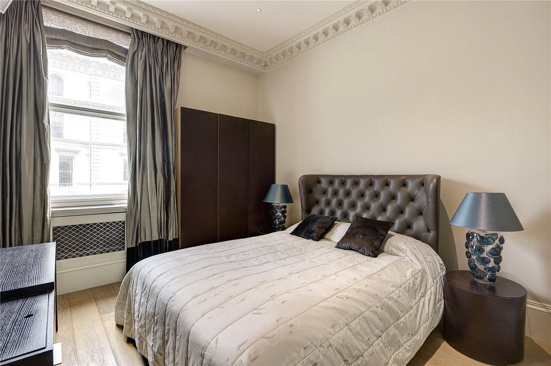 公寓还拥有一间双人床次卧、一间客卧以及一个客用卫生间