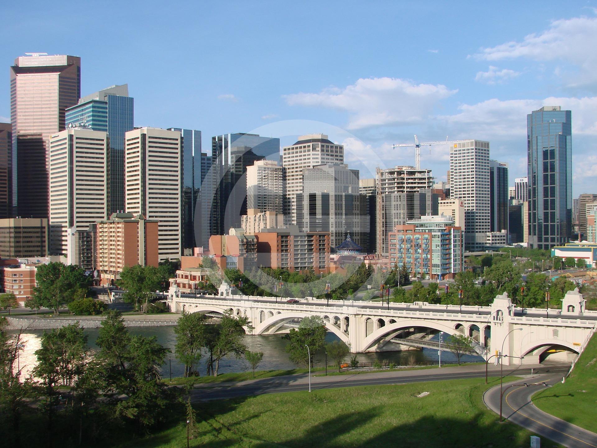 近年来卡尔加里城市快速发展,和其他加拿大一线城市相比还是一块价值洼地,具有很高的地产投资价值