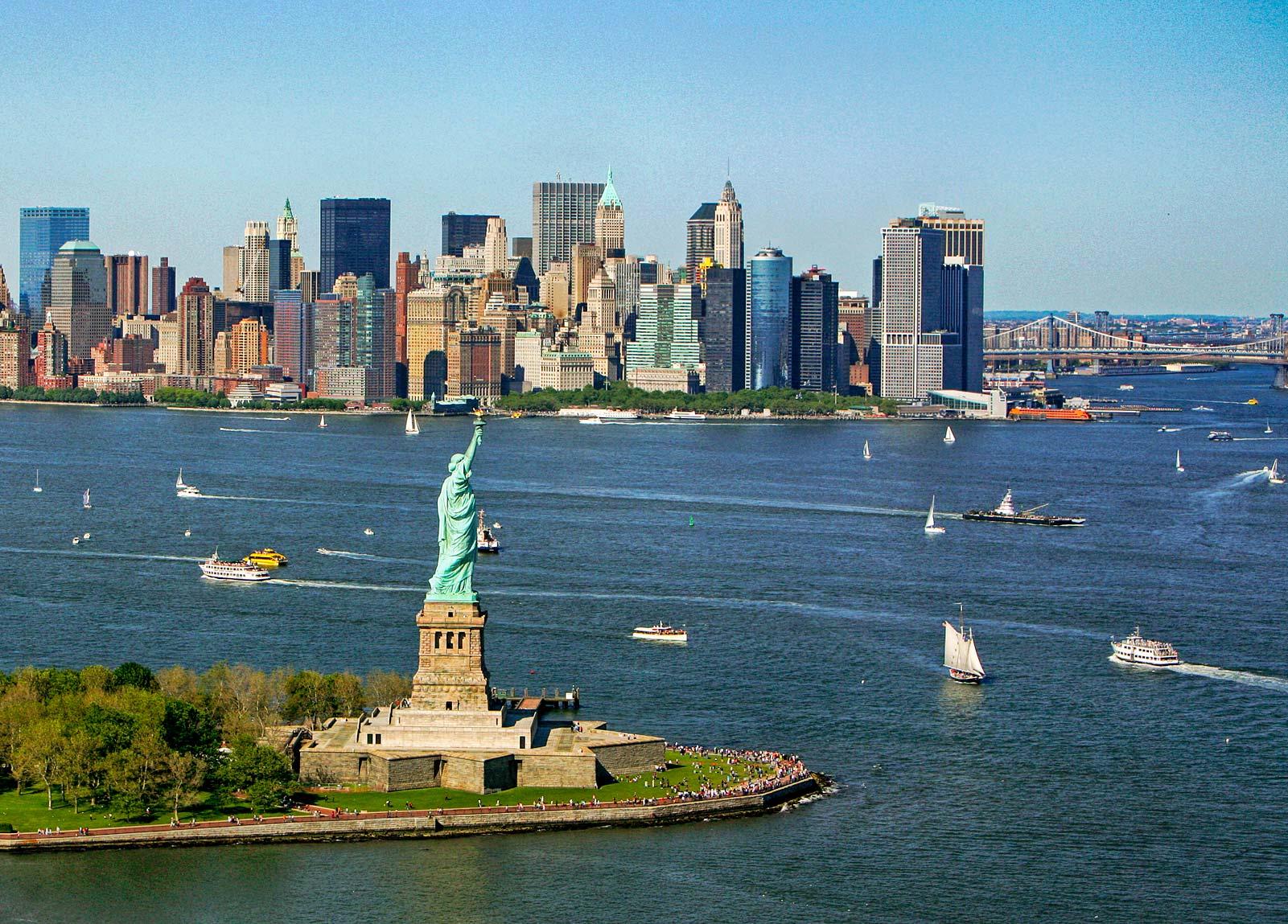 房产税在个人税务负担中占比较大,因此保留房产税列举扣除对纽约州获益更大