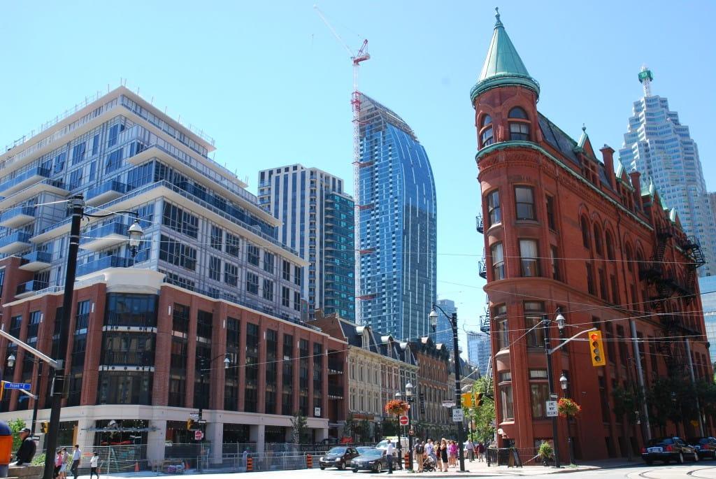 St. Lawrence是多伦多市政府70年代开始开发的商住混合型社区先锋