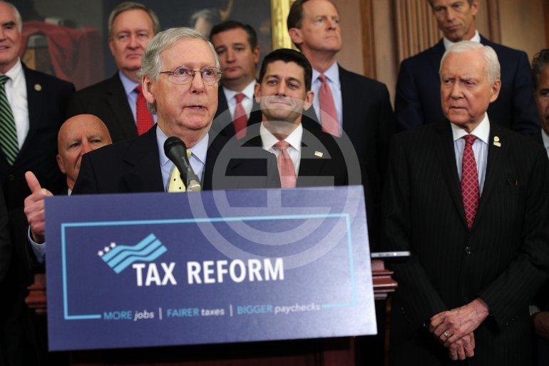 美国参议院以共和党人多数票通过了具有历史意义的税改草案。对于美国总统特朗普来说,这是一个重要的阶段性胜利。