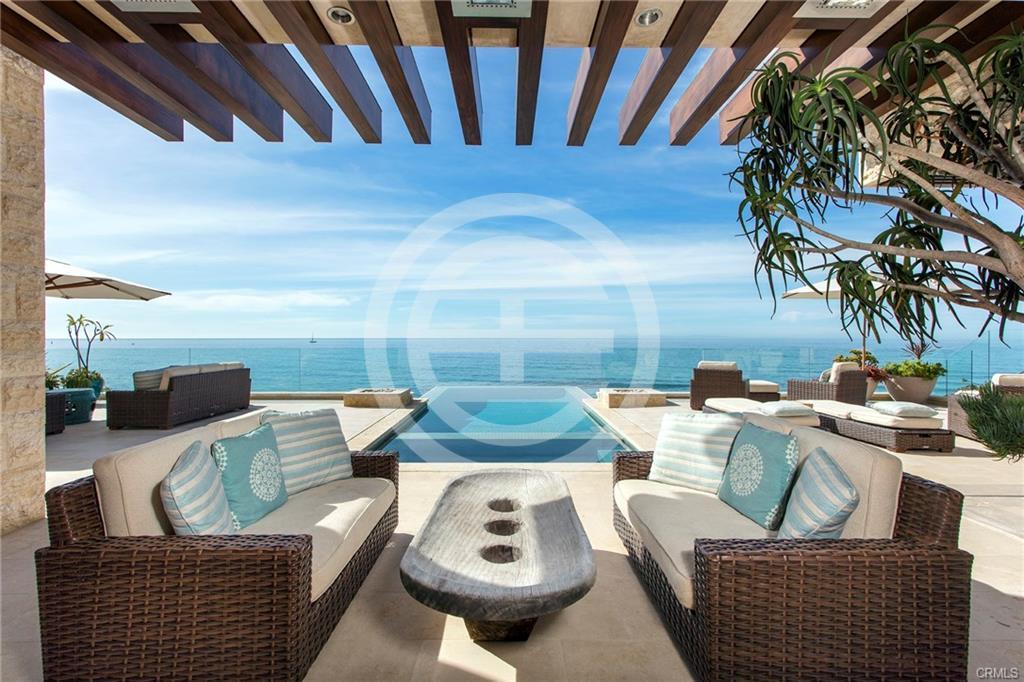 居外推荐兰登湾地产房源二:加州Dana Point巴厘岛式海滨别墅,享有私人海滩和面朝大海的无边泳池。物业编号:37293433