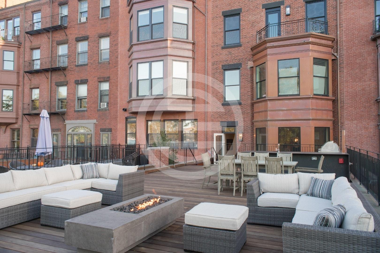 贝肯街(Beacon Street)474号公寓大楼外观