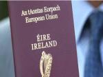 申请人数激增22%   脱欧前英国民众忙着申办爱尔兰护照