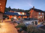 加拿大盐泉岛的石砌豪宅——住在美景里的独特体验|居外精选