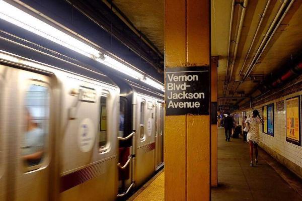 纽约地铁如何乘坐