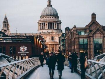 亿万富翁抢购伦敦豪宅!印花税与脱欧夹击,英国房价难暴涨