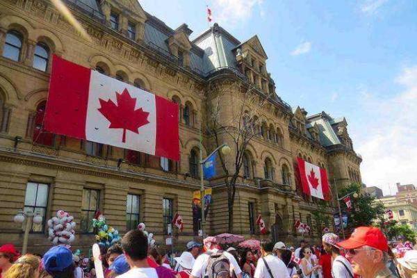 加拿大留学的优势