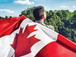 """加拿大登""""全球最接受移民国家"""" 将重启父母移民申请"""