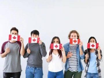 """为什么选择在加拿大""""先留学再移民""""?"""