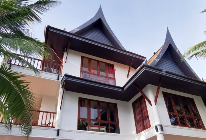 Thai traditional villa with beautiful sea view and sunset